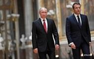 Путин и Макрон по телефону обсудили Украину