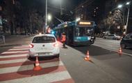 В Киеве ДТП с участием троллейбуса: пострадал годовалый ребенок
