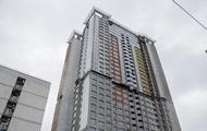 На недострое в Киеве мужчина упал в шахту лифта