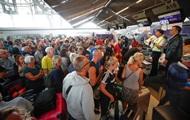 Конфликт Индии и Пакистана: в аэропортах Азии застряли тысячи туристов