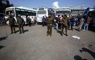 В Индии десятки человек пострадали от взрыва гранаты на остановке
