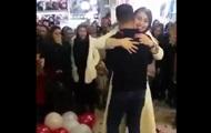 В Иране пару арестовали за признание в любви в ТРЦ
