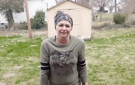 Американка испытала стойкость косметики перцовым газом