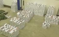 На границе с Венгрией в фуре нашли 75 тысяч пачек контрабандных сигарет