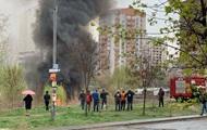 Пожар в Киеве: Позняки затянуло дымом, слышны взрывы