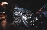 В Киеве легковушка влетела в микроавтобус, есть пострадавшие