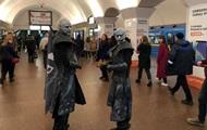 """В киевском метро заметили """"белых ходоков"""""""