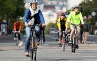 В Киеве флешмобом отметили День велосипедиста