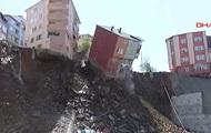 У Стамбулі через зсув впав чотириповерховий дім