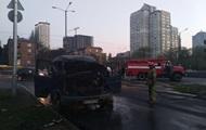 В Киеве на ходу загорелся микроавтобус Газель