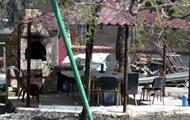 Во дворе Дома профсоюзов в Одессе, где погибли 48 человек, поставили мангал