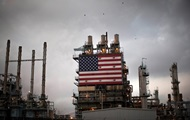 Цена на нефть обвалилась до $70 за баррель