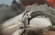 Опубликованы фото прорвавшегося в горящий самолет в Шереметьево пилота