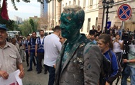 Полиция задержала мужчину, облившего активиста Шабунина зеленкой