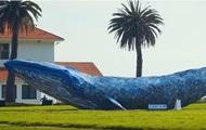 В США создали самого большого кита из пластика