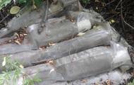 На Донбасі знайшли схованку з боєприпасами для гранатометів