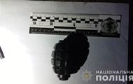 В Ужгороді чоловік з гранатою пограбував АЗС