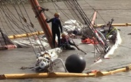 В Германии парусник столкнулся с контейнеровозом и затонул