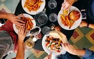 Ученые назвали причины переедания