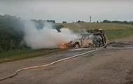 В Сумской области загорелось на ходу авто с пассажирами