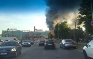 Под Киевом масштабный пожар на складе секонд-хенда
