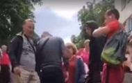 Мотокурьер избил шлемом киевлянина, сделавшего ему замечание