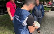 В Киеве чиновник потребовал взятку за регистрацию религиозной организации