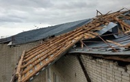 Непогода в Украине: обесточены 130 населенных пунктов, ранены два человека