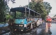 В Киеве дотла сгорел пассажирский автобус