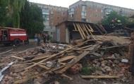 В Нежине взрыв разрушил два гаража, есть пострадавшие