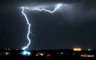 В Индии от ударов молний за сутки погибли более 30 человек