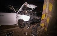 В Киеве Range Rover врезался в опору моста