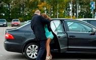 В Киеве похитили женщину и увезли в машине