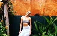 Модель Кэндис Свейнпол снялась в яркой фотосессии