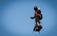 Француз перелетел Ла-Манш на флайборде со второй попытки