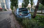 В Киеве таксист попал в ДТП из-за выбежавшего на дорогу пешехода photo