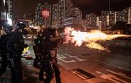 Гонконг накаляется. Протестующие заняли аэропорт