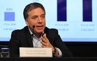 Министр финансов Аргентины увольняется из-за обвала песо