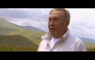 Назарбаев показал клип на собственную песню