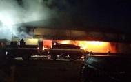 В Полтаве горит отделение Новой почты