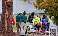 В США участники турнира по гольфу пострадали от удара молнии
