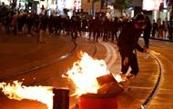 Беспорядки в Гонконге: в ход пошли водометы с несмываемой краской