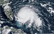 Ураган Дориан в США: 830 тысяч жителей готовят к эвакуации