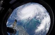 Ураган Дориан ослаб до третьей категории