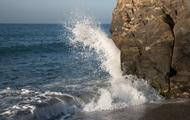 Из-за шторма в Крыму утонули шесть человек