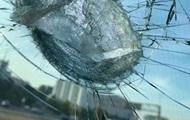 Кусок моста упал на автомобиль в Киеве