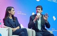 Мила Кунис и Эштон Кутчер стали гостями форума YES в Киеве