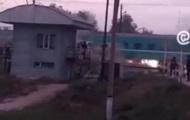 В Казахстане поезд протаранил автобус