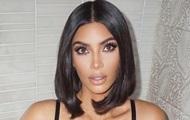 Ким Кардашьян показала пораженное псориазом лицо