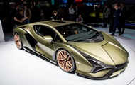 Представлен первый гибридный Lamborghini